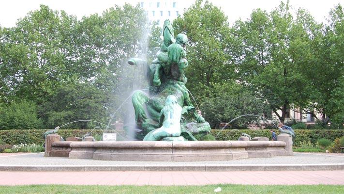 pi169-stuhlmannbrunnen-01